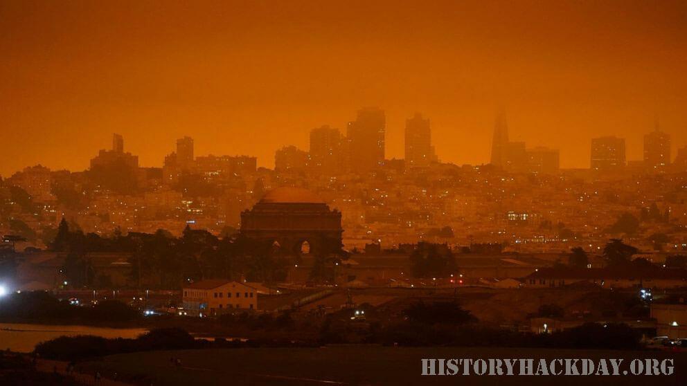 ไฟป่าก่อให้เกิดมลพิษ ถึงครึ่งหนึ่งในสหรัฐอเมริกาฝั่งตะวันตก ควันไฟป่าคิดเป็นครึ่งหนึ่งของมลพิษทางอากาศขนาดเล็กที่สร้างความเสียหายต่อสุขภาพ