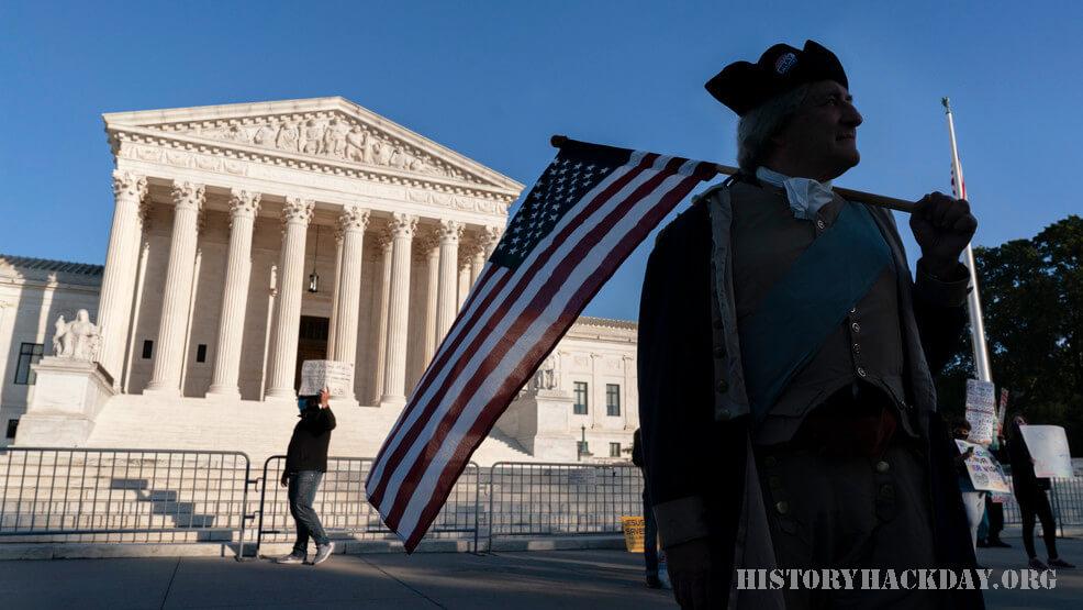 ศาลสูงสหรัฐรับฟังคดี บรรเทาไวรัสสำหรับชนเผ่า ศาลสูงสหรัฐจะพิจารณาคดีที่เน้นว่าใครจะได้รับส่วนแบ่งมูลค่า 8 พันล้านดอลลาร์ในการบรรเทาทุกข์