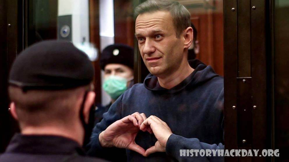 นาวาลนีนักวิจารณ์ ปูตินถูกศาลรัสเซียสั่งจำคุกนานกว่า 2 ปี  ศาลรัสเซีย ได้สั่งให้ผู้นำฝ่ายค้าน Alexey Navalny ถูกส่งตัวไปยังค่ายคุมขังเป็นเวลา