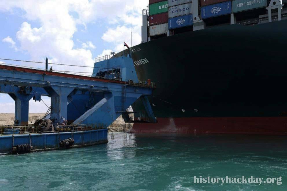 อียิปต์กล่าวว่าสหรัฐฯ ให้ความช่วยเหลือเนื่องจากการดำเนินการกับเรือบรรทุกสินค้าเสรีรวบรวมโมเมนตัม บรรทุกสินค้าที่เกยตื้นในคลองสุเอซซึ่งขัดขวาง