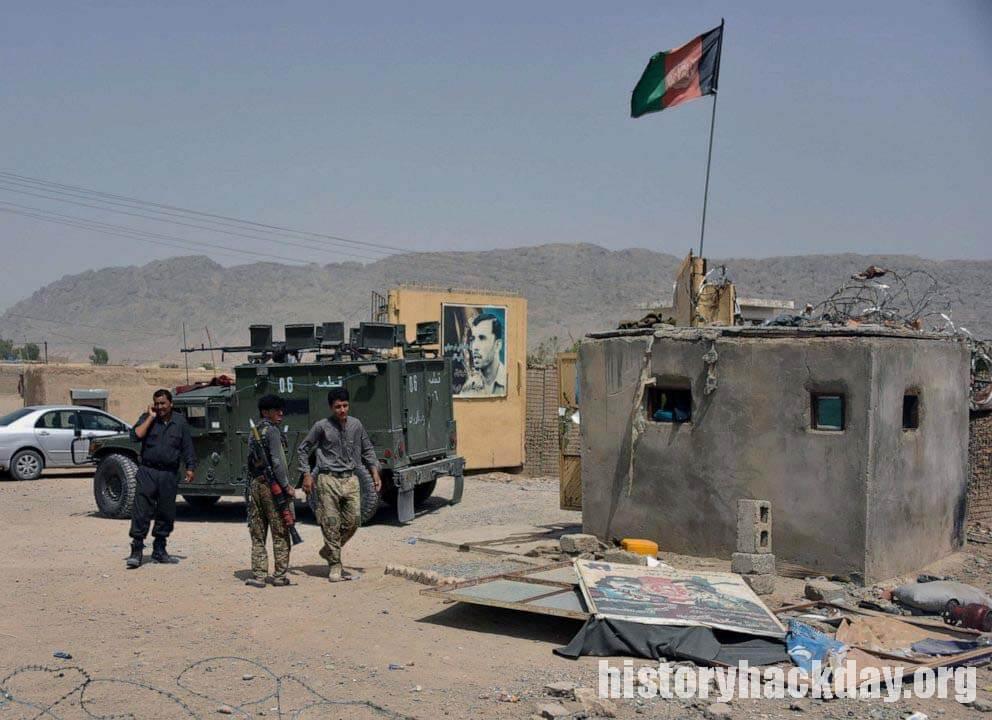 กองทหารอัฟกันหลบหนีข้ามพรมแดน ขณะที่ตอลิบานรุกคืบหน้าอย่างรวดเร็ว หลายร้อยของทหารอัฟกานิสถานหนีข้ามชายแดนภาคเหนือของประเทศเพื่อความปลอดภัย