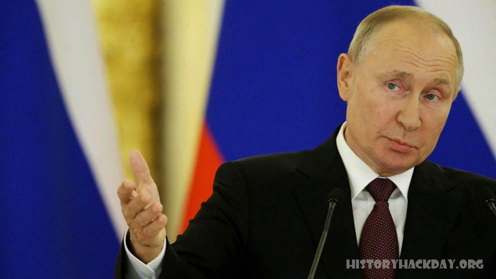 รัสเซียส่งสัญญาณว่าพร้อมที่จะมีส่วนร่วมกับตอลิบาน ในขณะที่นักการทูตตะวันตกเดินทางไปสนามบินคาบูลและขณะที่กลุ่มตอลิบานบุกยึดเมือง