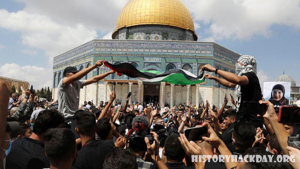 อิสราเอลจับกุมผู้ลี้ภัยชาวปาเลสไตน์ ที่หลบหนีออกจากคุก ตำรวจอิสราเอลในวันเสาร์กล่าวว่าพวกเขาได้จับกุมชาวปาเลสไตน์สี่ในหกคนที่แหกคุก